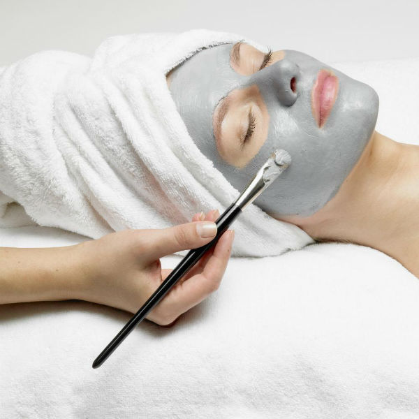 Reasons Why A Professional Facial Is Better Than Home Care