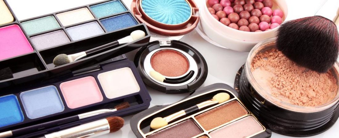 Why Should You Get Your Makeup Professionally Applied For An Event